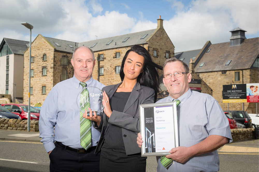 Ian Docherty – Site Manager, Demi Chambers – Sales Executive, George Millar – Site Manager