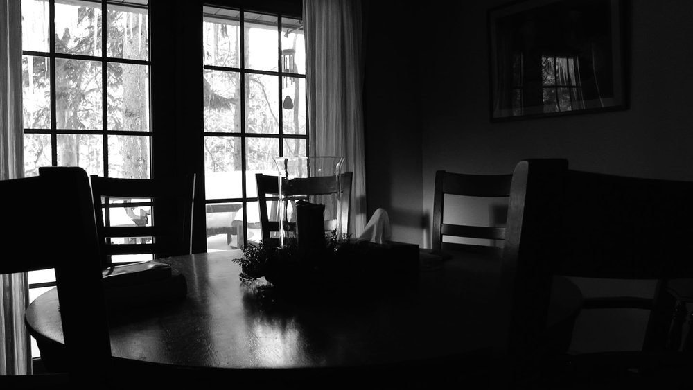 Dinning room table.jpg