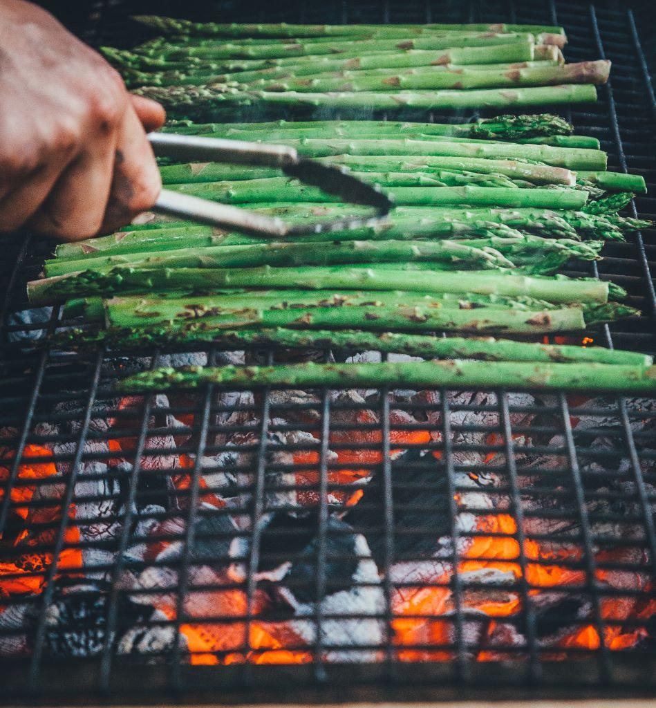 Asparagus on the grill.jpg