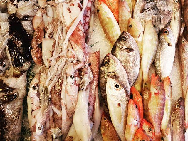 Un paraíso lleno de producto increíble 🦐🦑🐟🐙 Private Chef Service . . . #marewaformentera #marewaexperience #formentera #formenteralovers #ibiza #privatechef #privateevents #privateservice #food #foodlovers #foodporn #localproduct #productolocal #peixnostrum #peix