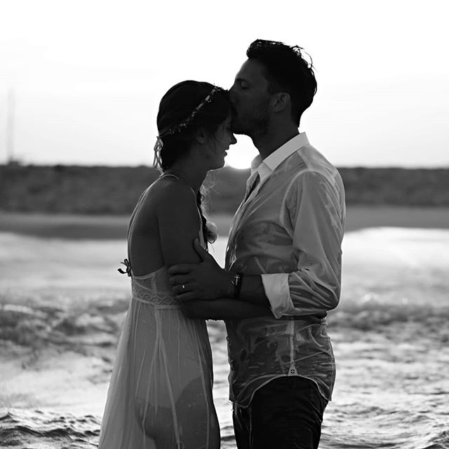Besos y mas besos!!! 😘💚 . . . #marewaformentera #marewaexperience #formentera #formenteralovers #besos #weddingday #kiss #internationalkissingday #diainternacionaldelbeso