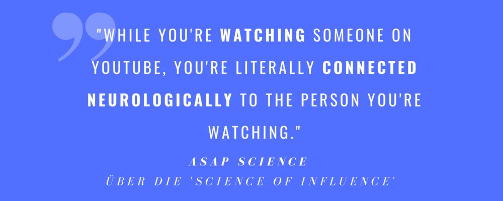 AsapSCIENCE-Macher  Greg und Mitch erklären auf der NewFronts-Präsentation von Studio71 die Wissenschaft hinter Social Media Influence