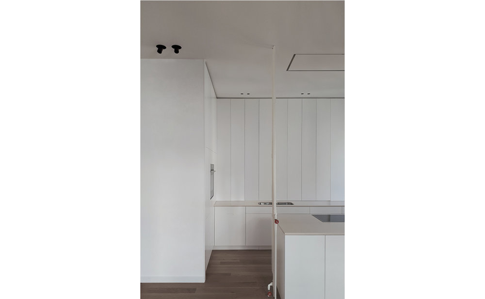 Kitchen_b.jpg