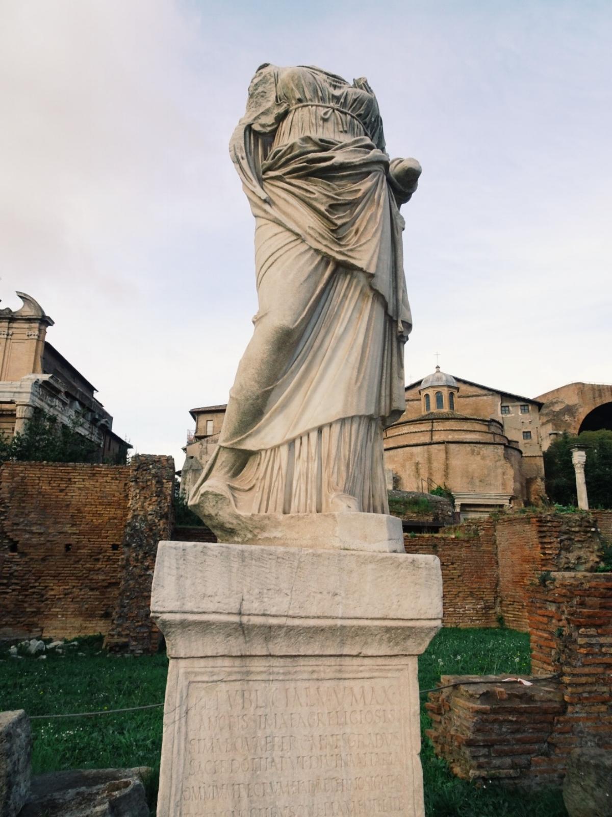 caution meet wind rome ancient ruins tour