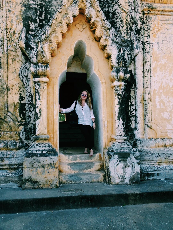 burma myanmar mandalay temple