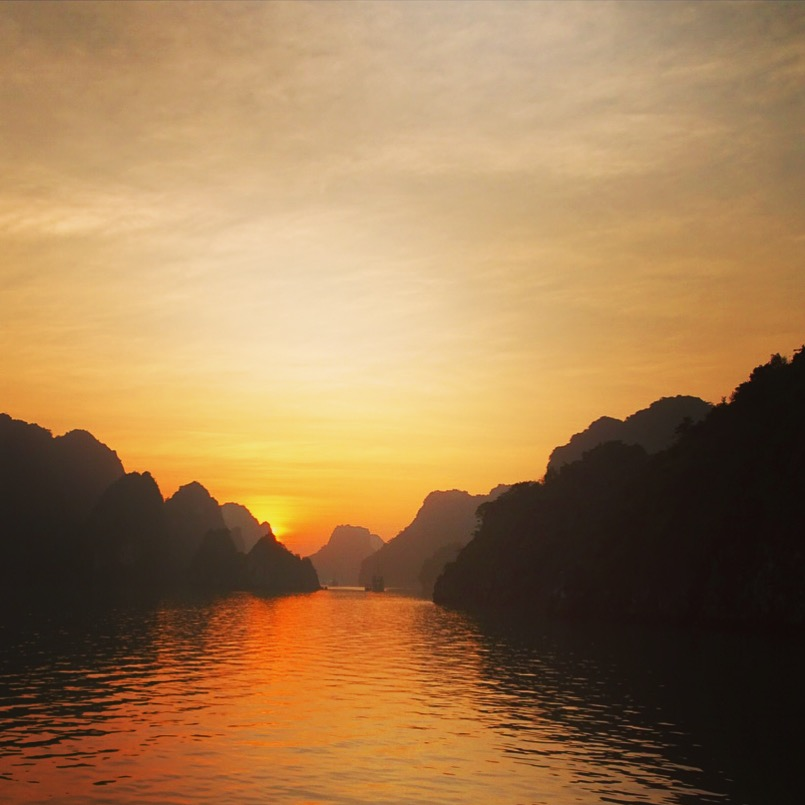 vietnam ha long bay sunset