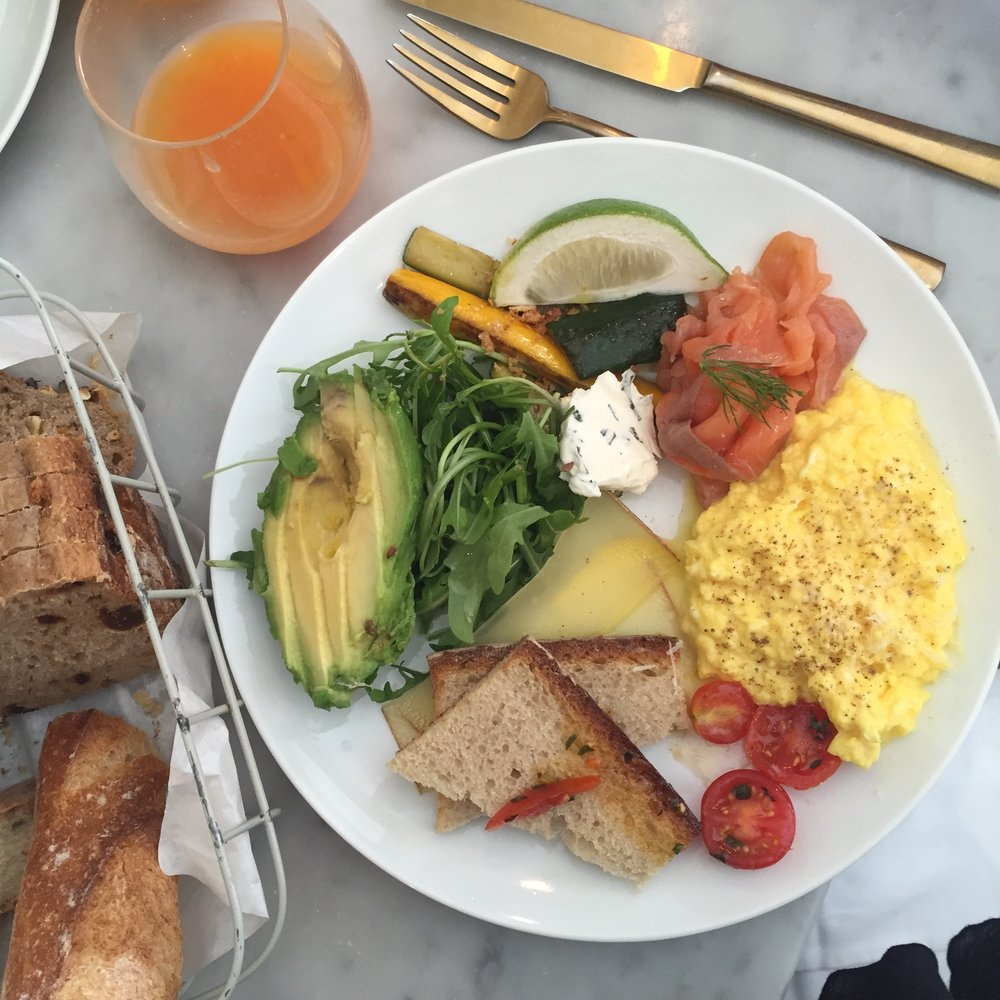 La Petite Table Brunch