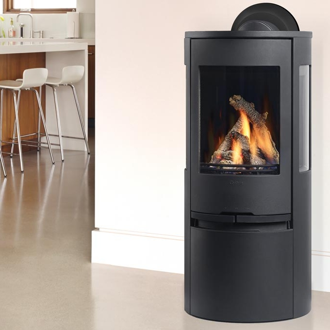 Regency Contura 195    View Full Specs   Regency Contura RC500E gives a light and modern impression to any home. Available in black or white, you can customize this modern gas stove with a traditional log set or ultra-modern shimmering crystals. Stunning flame view from three sides.