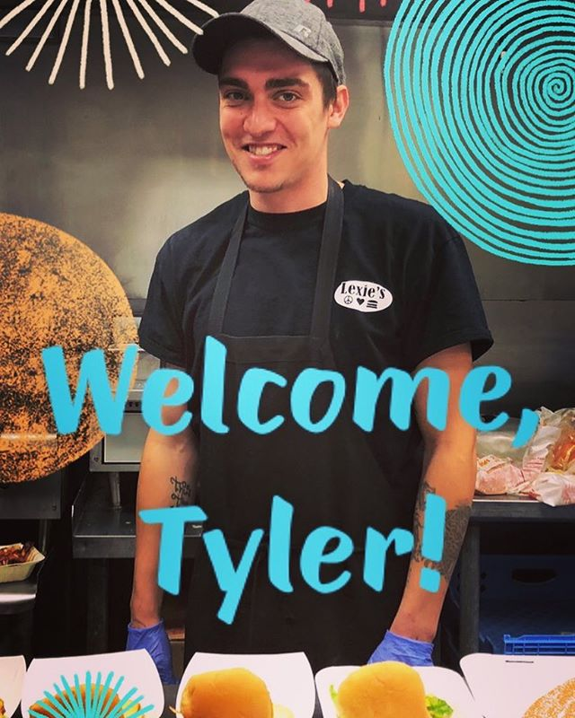 Our Lexie's family gained a member. 👏🏼 Welcome to our newest addition, Tyler!! . . . #lexies #lexiesjoint #lexiesportsmouth #lexiesburgers #peaceloveburgers #welcomewagon #workfamily❤️
