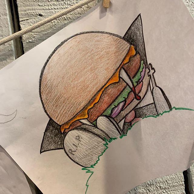 It's amazing what someone can do with 15 minutes and some crayons 🤩 . . . #lexies #lexiesjoint #lexiesportsmouth #lexiesburgers #peaceloveburgers #burgerartist #crayolacreation