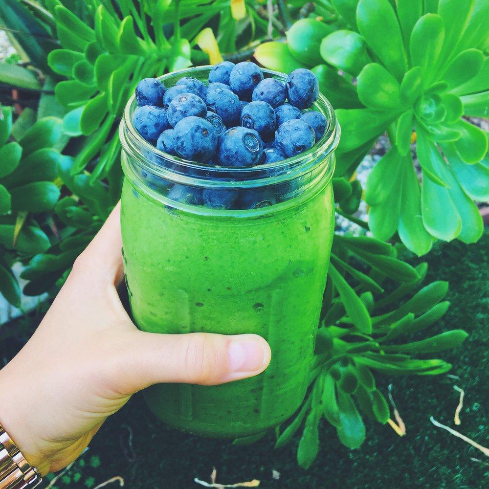 greenblueberries.jpg