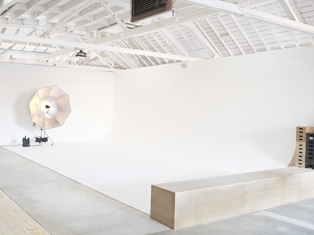 cove26 interior infinity cyclorama wall