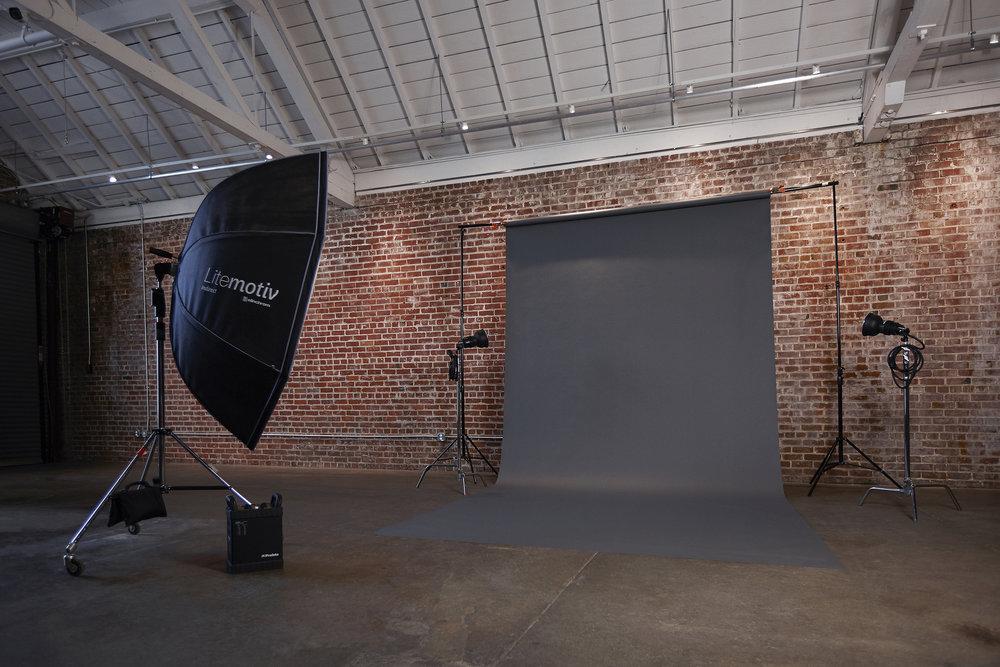 Small Studio Cove Portrait/Fashion Kit