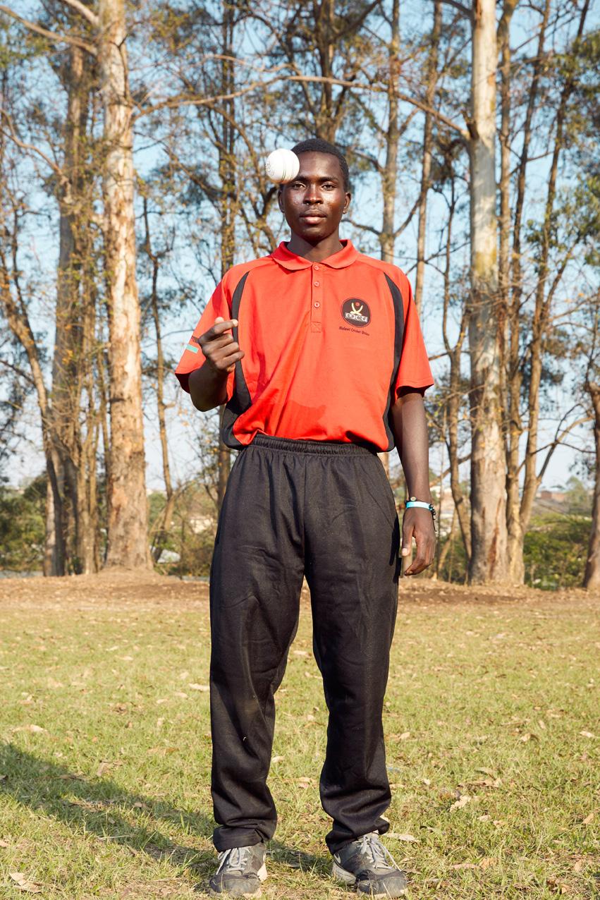 Michael Mwamwadi, bowler