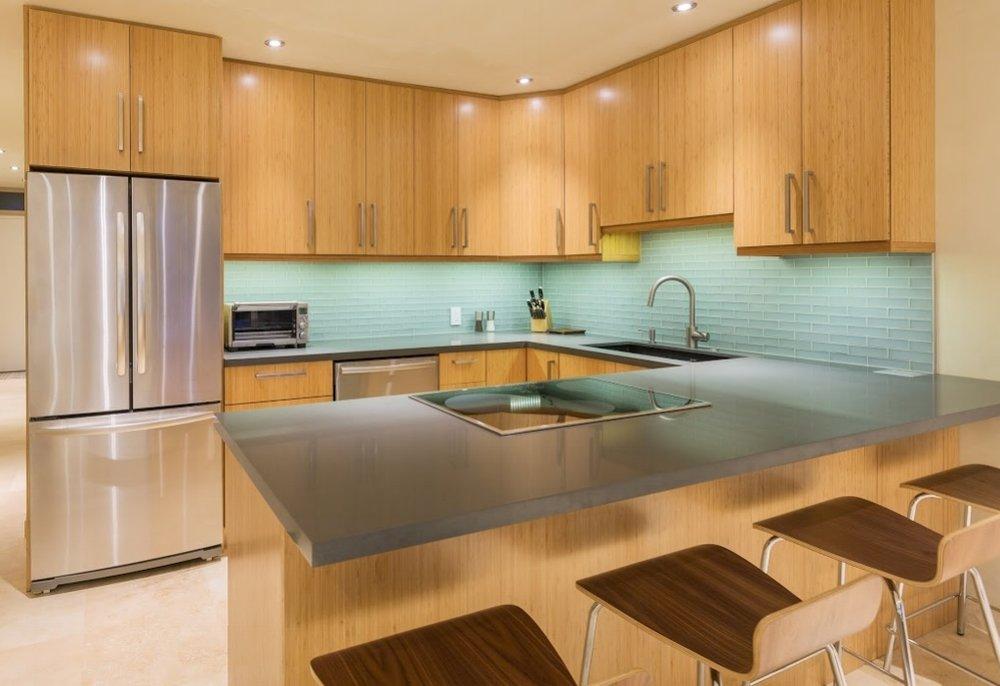 WOODGRAIN GLOSS KITCHEN