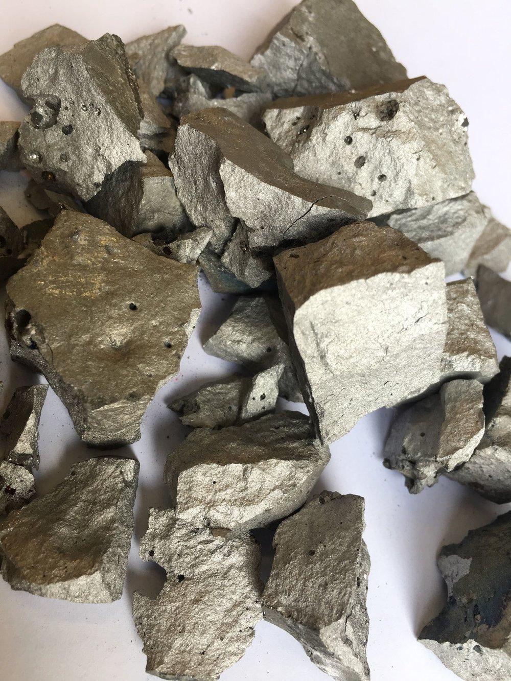 Nickel master alloys