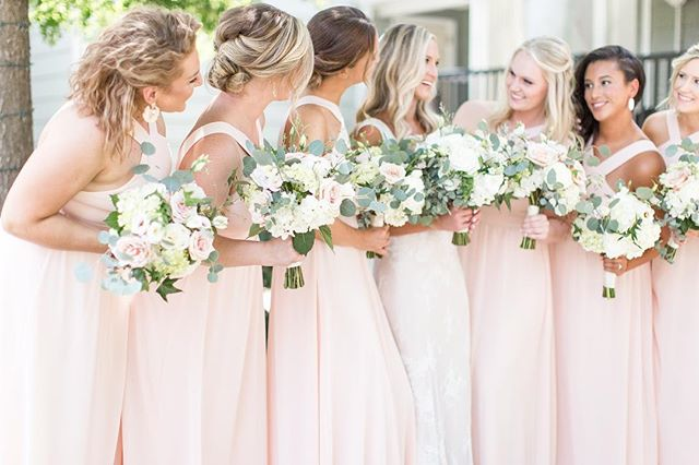 Seriously color crushing on these bridesmaids dresses! 😍 Assisting Shelby Norris Photography is always a blast! The classic city never disappoints📸 Photo from assisting Shelby Norris Photography • • • • • • #athensphotographer #athensphotography #northgeorgiaphotographer #northgaphotographer #canonphotography #canonphotos #southernbride #southernwedding #southerncharm #southernweddingsmagazine #southernweddings #weddingflorals #georgiapeach #sochic #soloverly #stylemepretty