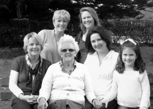 mum an d family.jpg