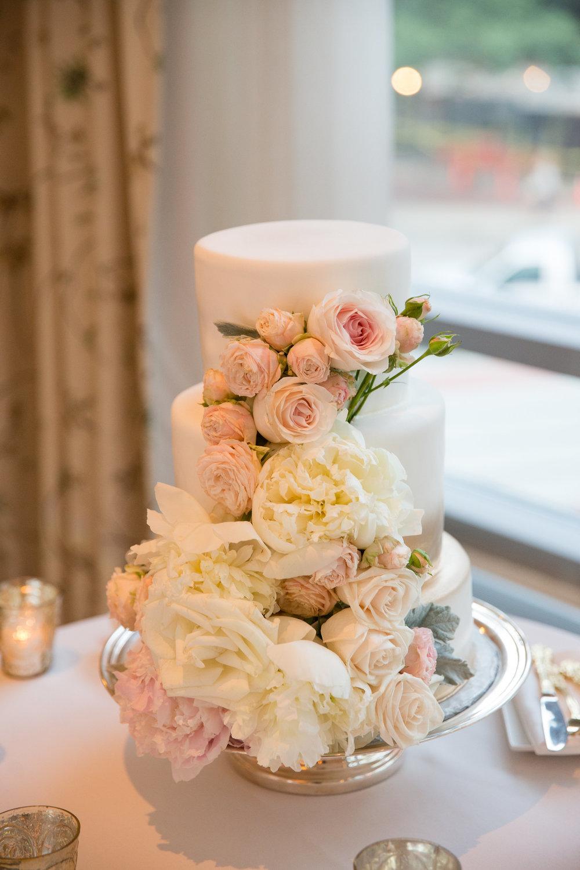 Four-Seasons-Hotel-Boston-WeddingPhotography01226.jpg