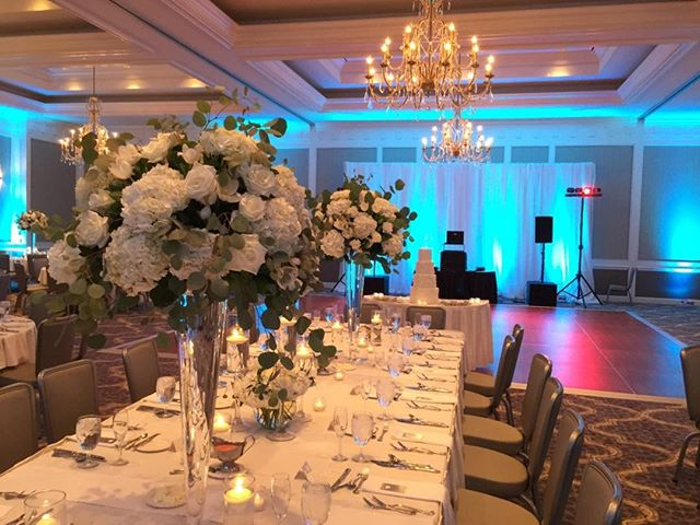 Another incredible reception at the Hilton Easton! The new ballroom looks SO GOOD!  #columbuswwddingdj #buckeyesounds #buckeyesoundsweddings. #columbuswedding