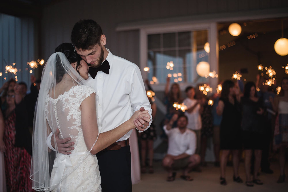 Sparkler-First-Dance (2).jpg