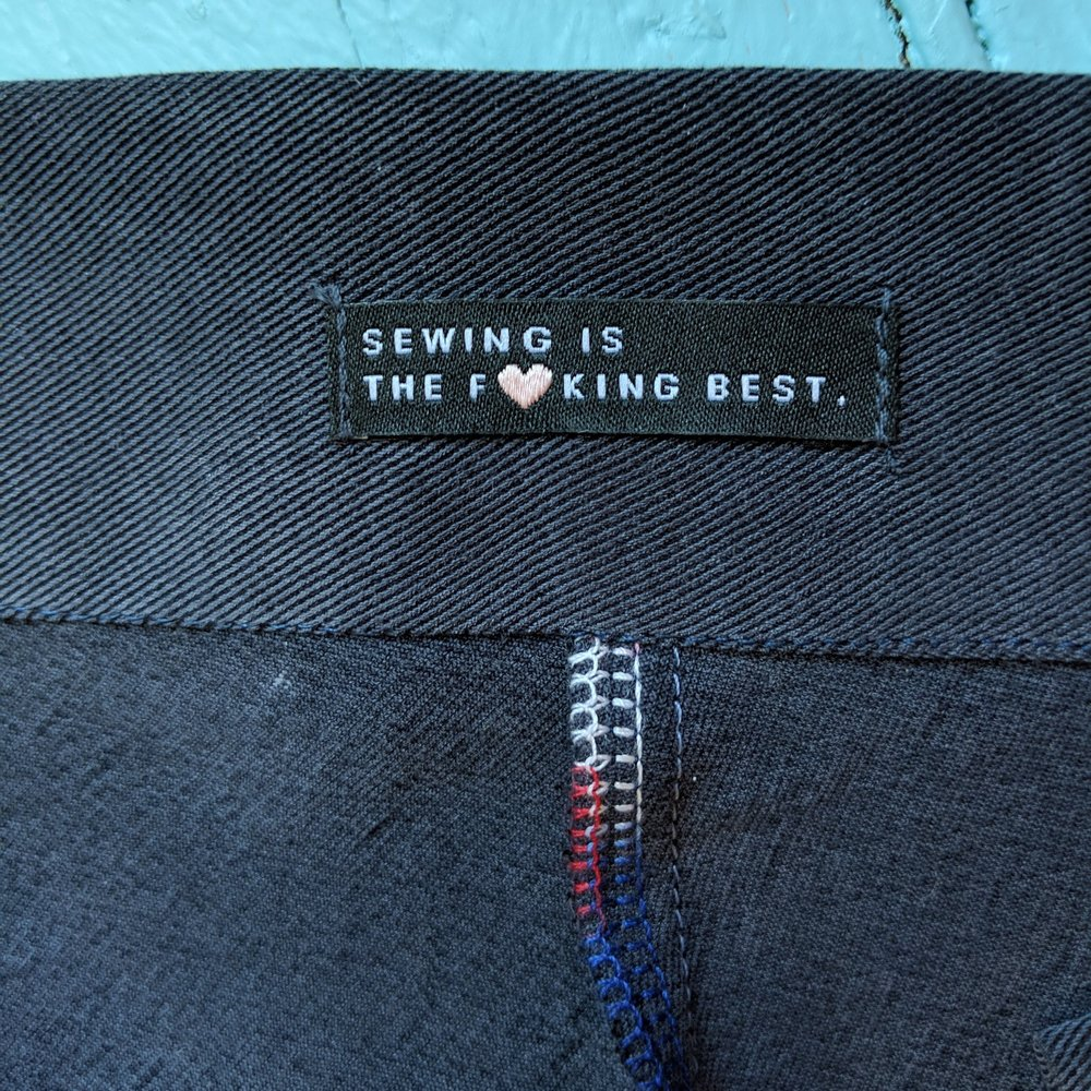 (Harts is carrying these sexy  woven labels  now!!)