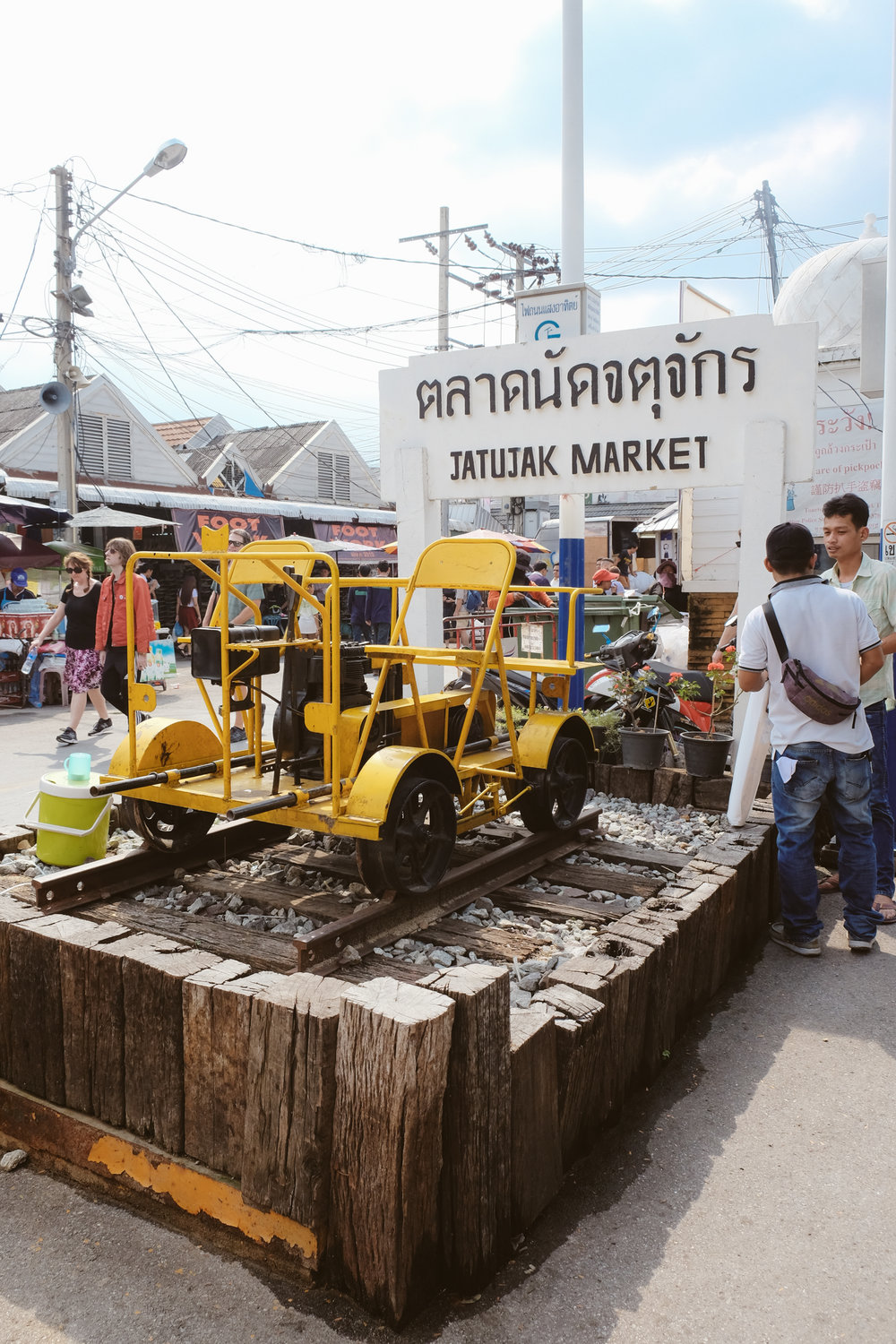 Jatujak Market, the largest market in all of Thailand!