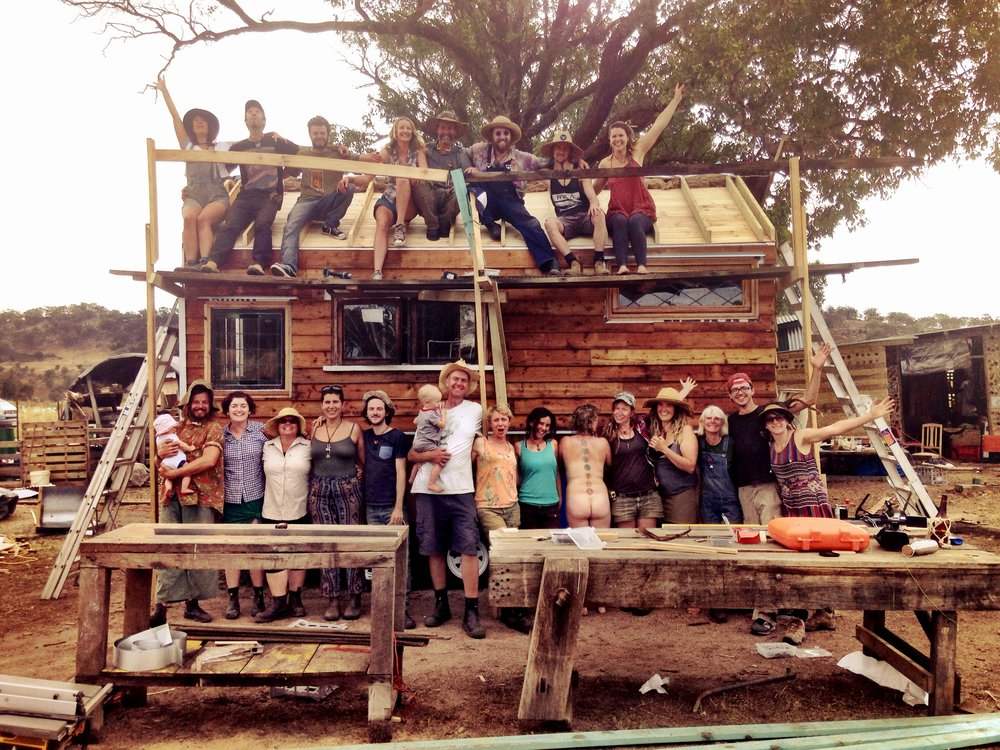 Jessie's Tiny House Build: one really fun week at Agari Permaculture Farm, near Melbourne, Australia in November 2015. Here's a neat article about the build by our friend, Kate: http://www.thecitizen.org.au/storyboard/tiny-house-big-dream-how-community-banded-together-beat-housing-crunch