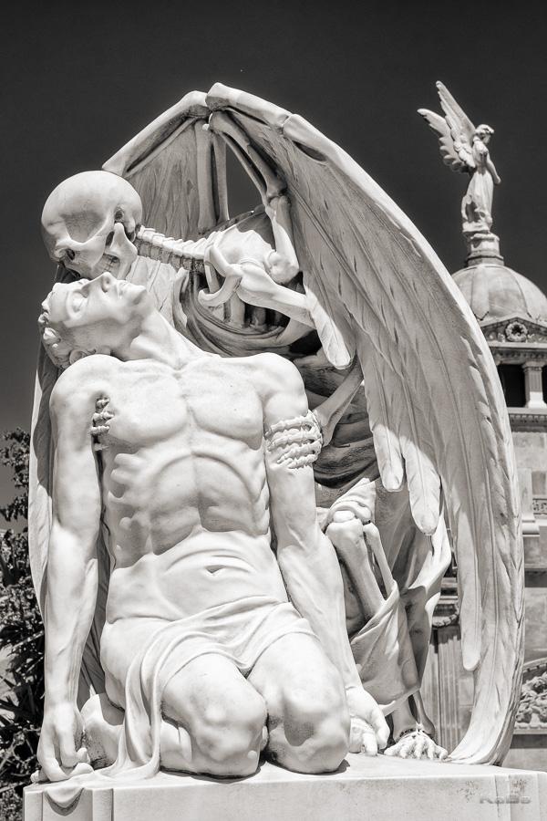 Cementiri Poblenous in Barcelona