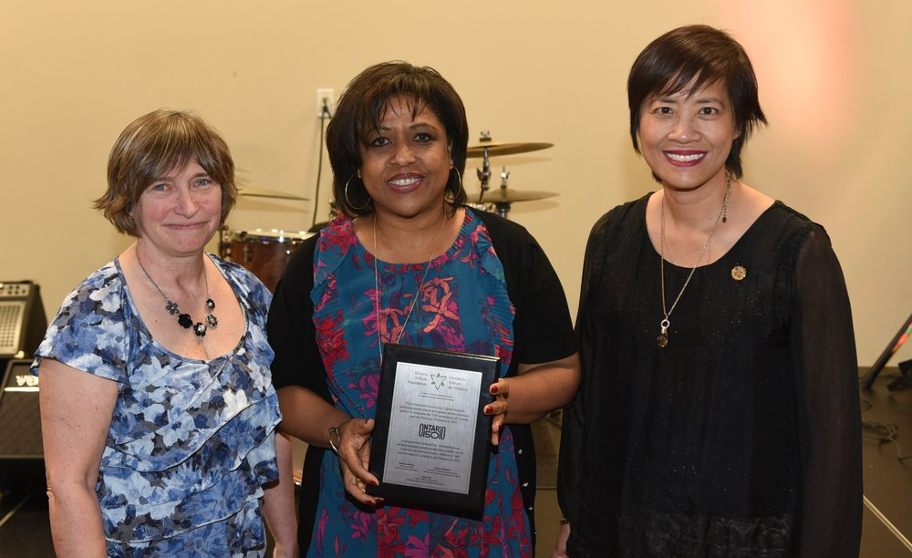 Maureen Lynch (l), TCSO president Jenny Gumbs and MPP Soo Wong