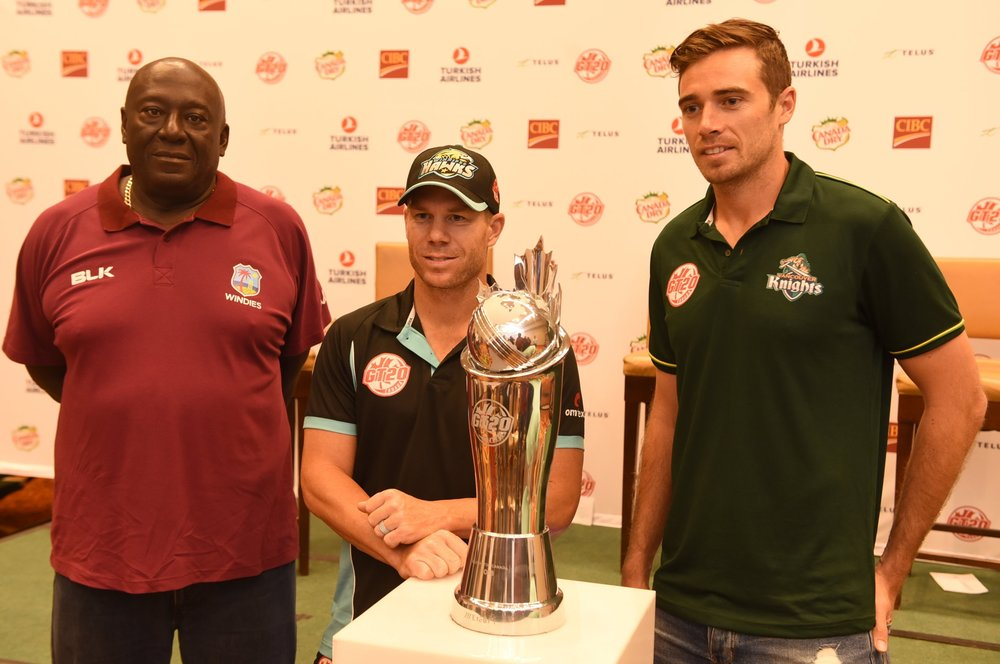 "West Indies ""B"" team assistant coach Roddy Estwick (l) with David Warner (c) and Tim Southee on the eve of the final"