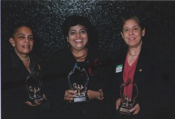 Dr. Miriam Rossi (l), Diana Alli & Dr. Ana Jarvis