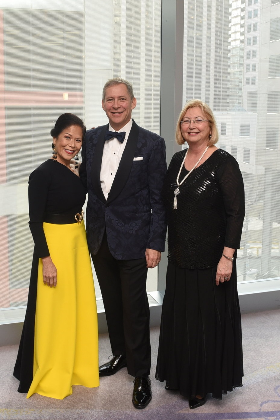 Co-patron Donette Chin-Loy Chang (l), honourary co-chair Bruce Bowen & committee member Lucy La Grassa