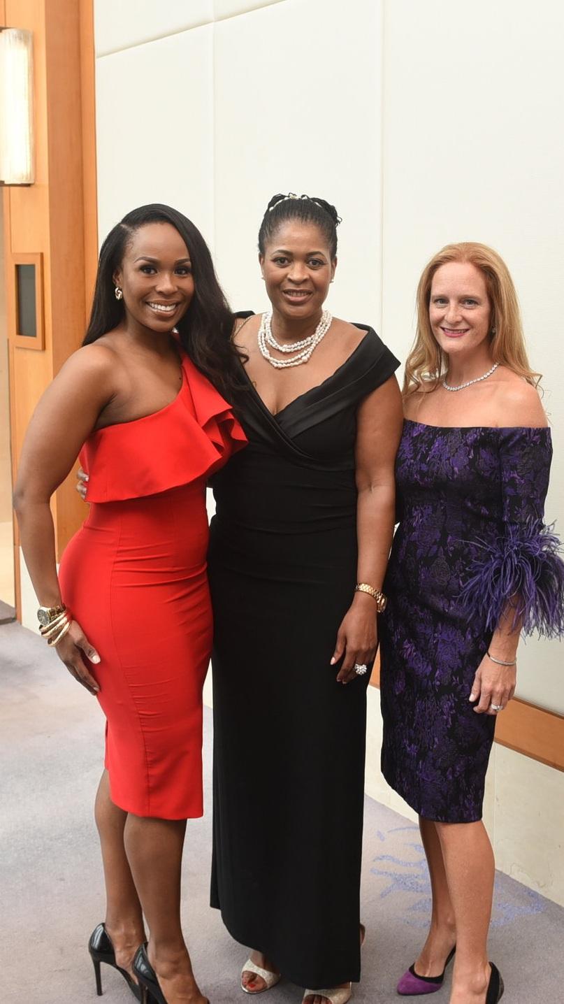 Canadian Women's Foundation President & CEO Paulette Senior (c) with her niece Raisha Senior-Pinnock (l) & close friend Sharilyn Hale
