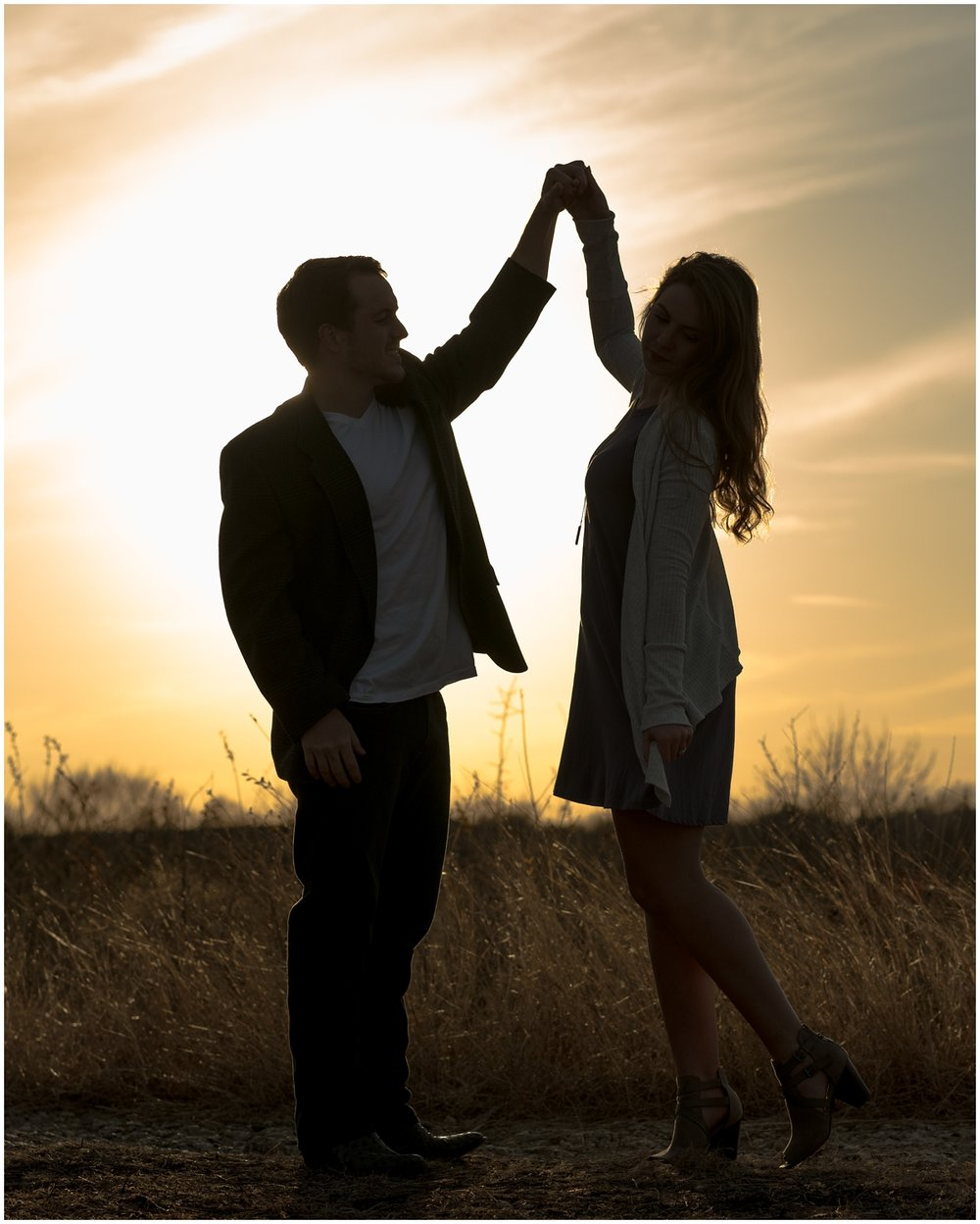 Bright and classic Fort Worth Texas Open Field Engagement Session with DFW Wedding, Engagement and Family Photographer Rachel Florman Creative. Located at Tandy Hills Nature Center