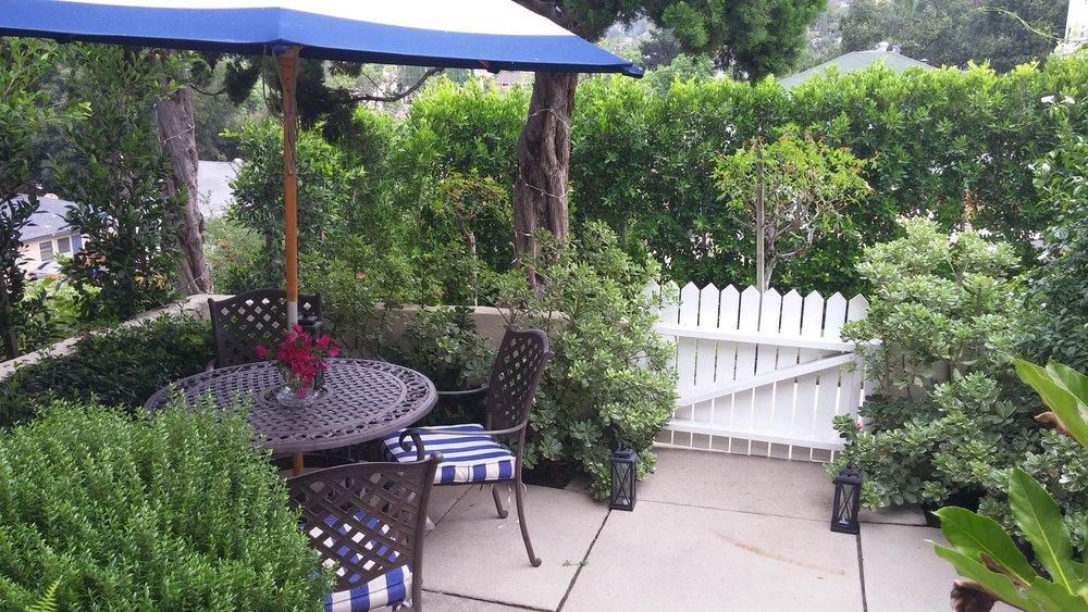 Linda Rosa Frontyard.jpg