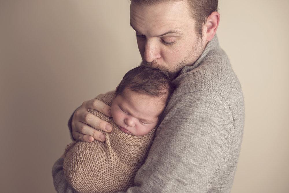 annapolis maryland newborn photographer