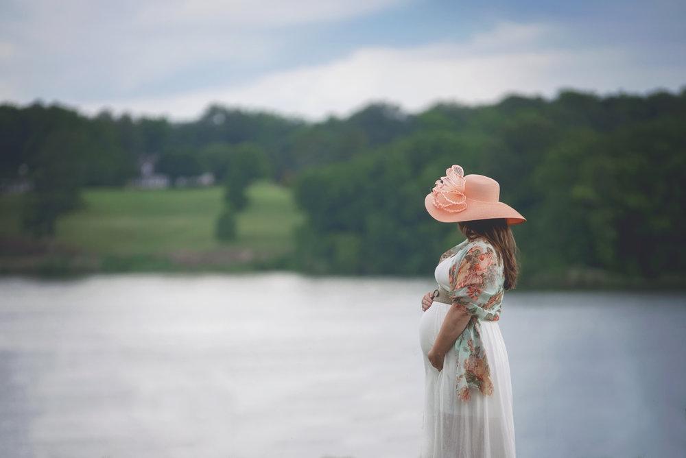 southern maryland maternity photographer
