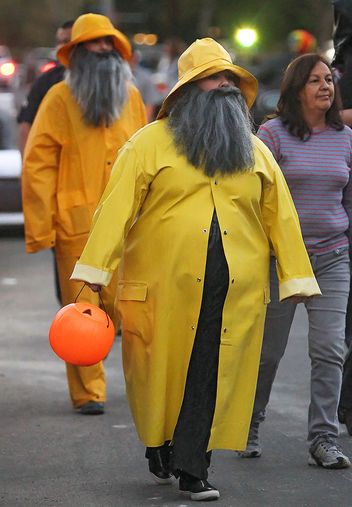 Melissa McCarthy and Sandra Bullock en route to audition for a fish stick commercial.