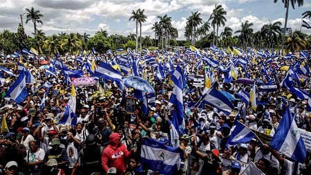 Serious note: I saddens me that most of you that read this will have no idea what has been happening in my nation. Since April the Nicaraguan police/government have killed more than 317 civilians and tortured countless more . Majority of them unarmed. The government has shut down a large chunk of media outlets to prevent as little of what's going on out to mainstream news. If you do then you should consider yourself fortunate that you're living the life you are. . . Yesterday at around 1 AM was woken up by the vibration of my phone to 7 missed calls of an unknown phone number. When I picked up the eighth call I find out that it's a cousin of mine that is at the Canadian border of BC (3 hours earlier than Toronto ) seeking refuge. He had not told anyone of this migration for fear of being hunted down. I spoke on the phone with an immigration officer for around 30 min trying to answer as many questions as I could half asleep. I am so happy I was able to wake up in time to help him out or else he would be sent back to god knows what. I ask you all to educate yourself on what's going on around the world not just Nicaragua. and I ask my fellow people to inform those around them of what's going on. It'll help you not take things for granted and worry a lot less about trivial matters you deal with day to day. #sosnicaragua