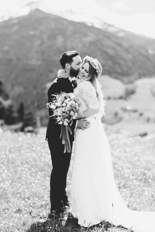 hochzeit-schloss-mittersill-heiraten-in-den-bergen-hochzeitsfotografin-mariagadringer-040.jpg