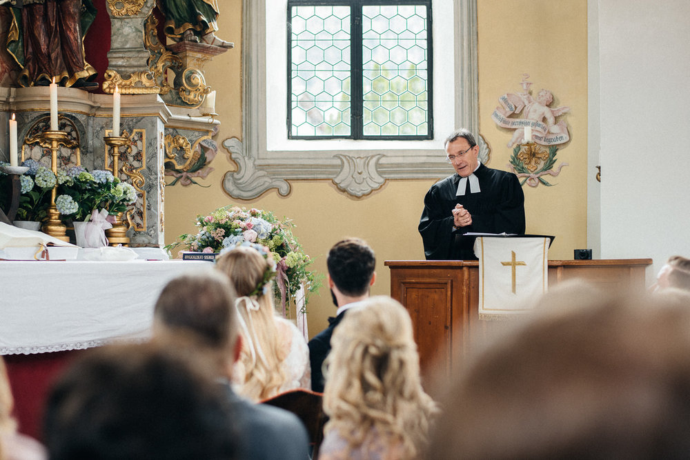 hochzeit-schloss-mittersill-heiraten-in-den-bergen-hochzeitsfotografin-mariagadringer-052.jpg