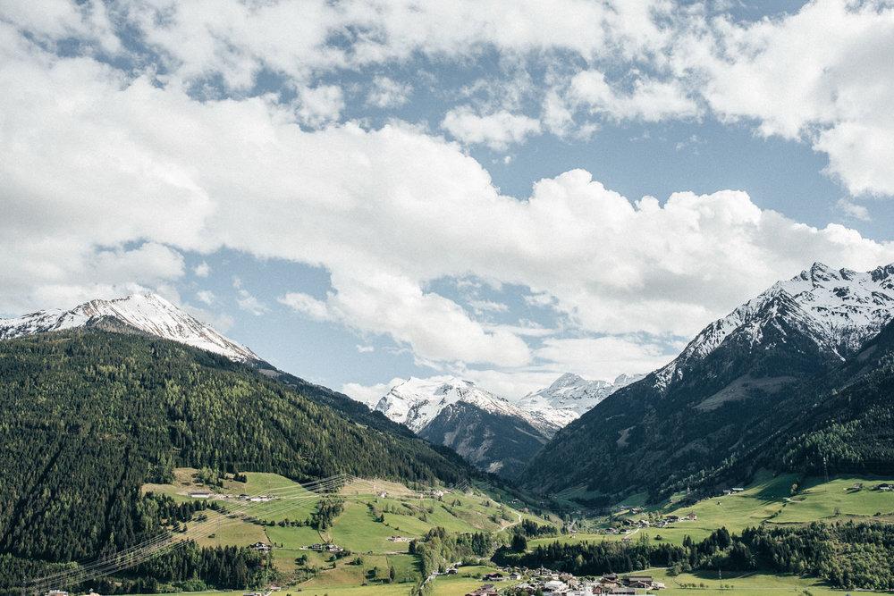 hochzeit-schloss-mittersill-heiraten-in-den-bergen-hochzeitsfotografin-mariagadringer-061.jpg