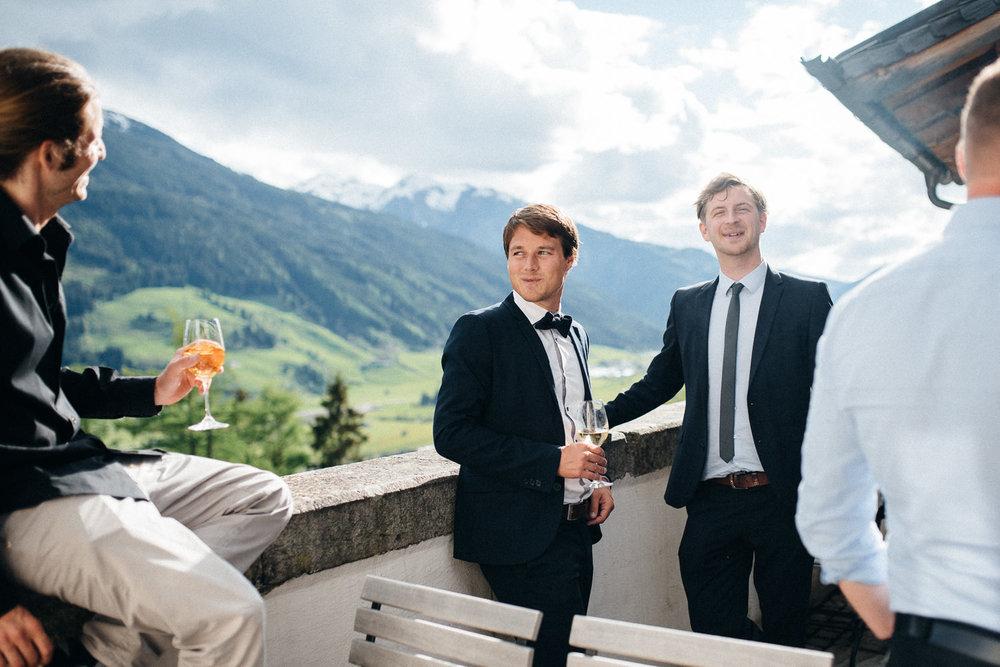 hochzeit-schloss-mittersill-heiraten-in-den-bergen-hochzeitsfotografin-mariagadringer-069.jpg