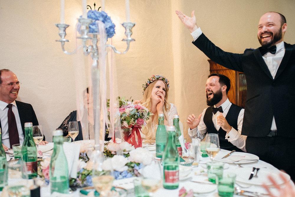 hochzeit-schloss-mittersill-heiraten-in-den-bergen-hochzeitsfotografin-mariagadringer-086.jpg