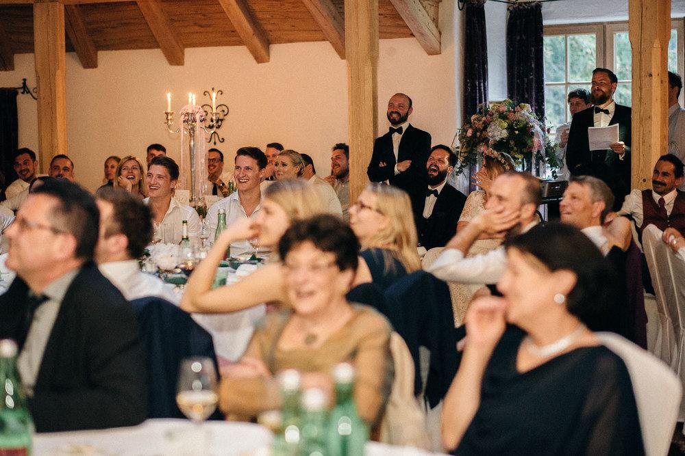 hochzeit-schloss-mittersill-heiraten-in-den-bergen-hochzeitsfotografin-mariagadringer-094.jpg