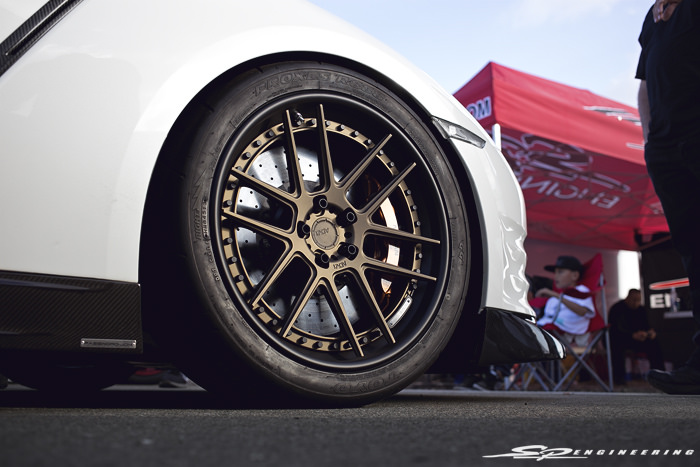 Deon's GT-R is lathered with Password JDM carbon goodies along with multiple sets of cool wheels (ADV6.0, TE37Ultra, Advan GT).