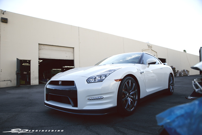 Coming from the other side of the country, Bo recently moved from Massachusetts to SoCal and brought his 2015 GT-R with him. Who wouldn't? Shortly after settling down in his new home, he came to us for a reliable SPE700 upgrade that'll give his vehicle a little bit of oomph.