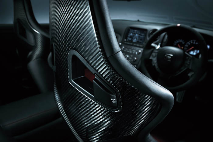 • Ergonomically sculpted carbon fiber backed reclining Recaro seats (Europe/Japan) comfortably, yet firmly, support the driver and front seat passenger.
