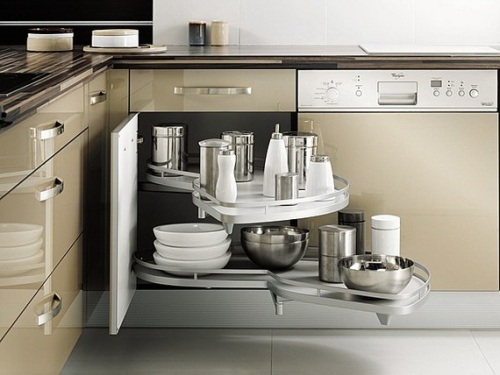 http://decor.1homegift.com/modern-small-kitchen-ideas/smart-modern-kitchen-storage/